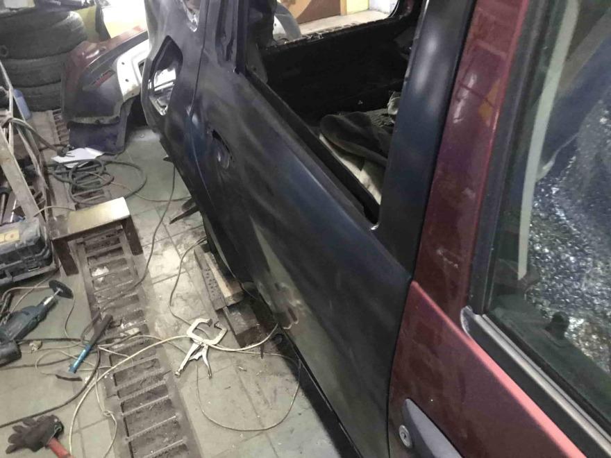 Фото Kia Rio во время кузовного ремонта Автосервис Профи