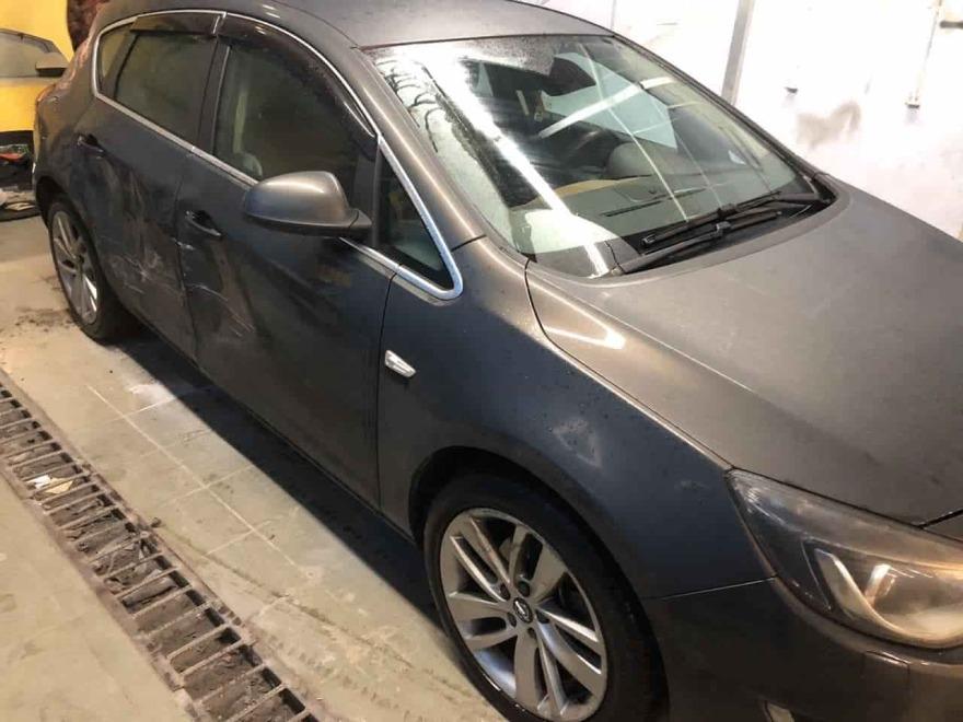 Фото повреждений кузова Opel