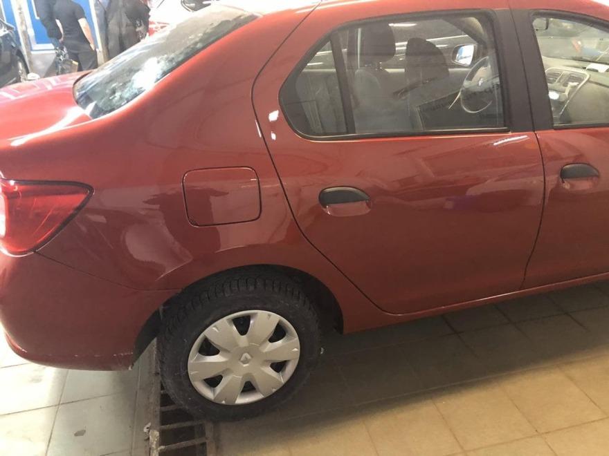 Фото повреждений порога и двери Renault Logan
