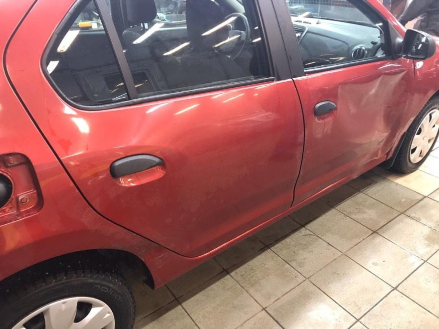 Фото Renault Logan после ремонта порогов и двери в «АвтосервисПрофи»